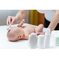 Körperpflege vom Baby - sauber vom Kopf bis zu den Füssen