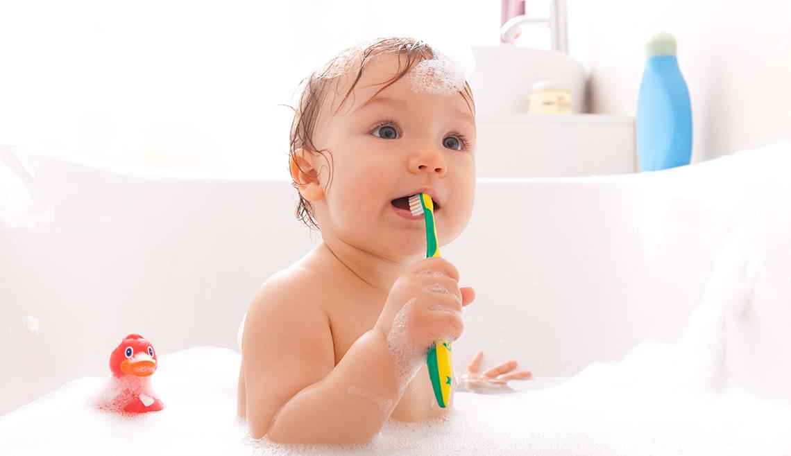 Le soin dentaire de bébé : des dents saines dès le départ
